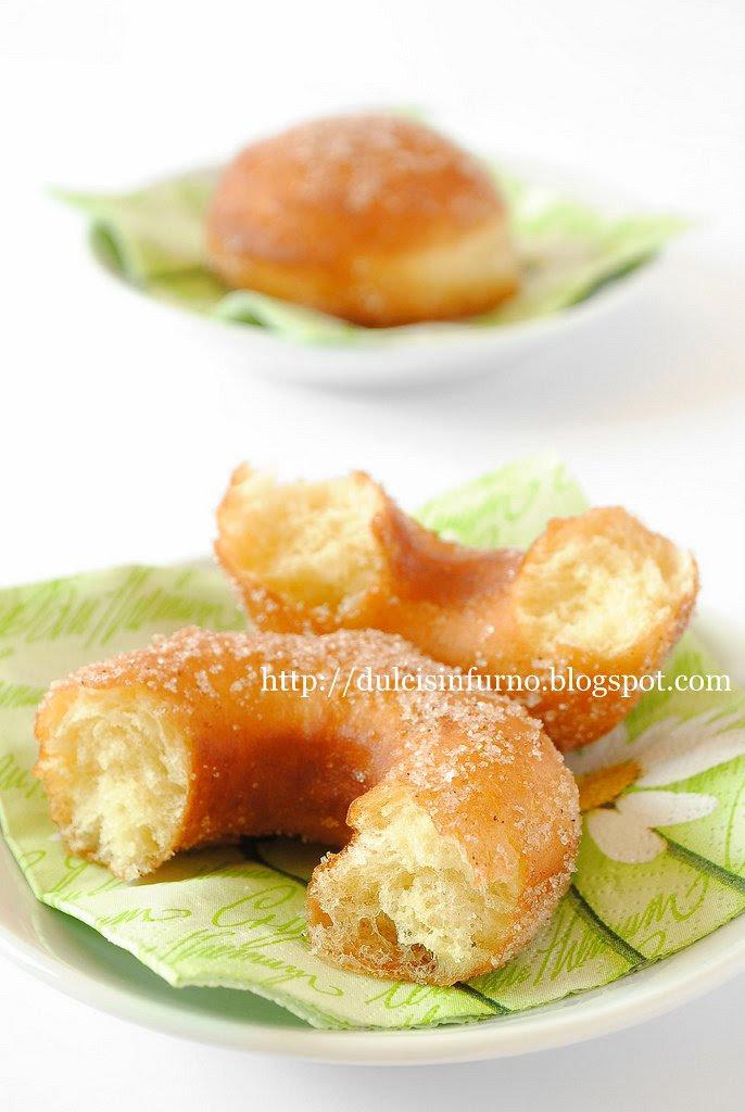 Ciambelle e Krapfen-Doughnuts