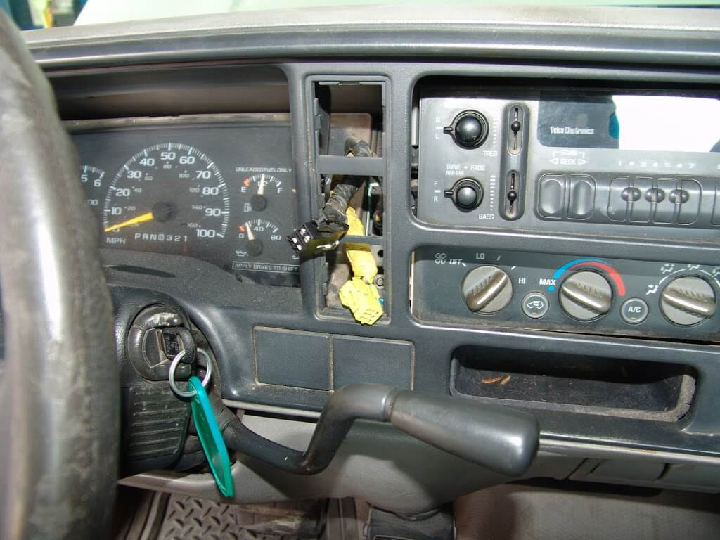 1997 GMC C1500 Pickup, No Blower Part 1 - Sparky's Answers