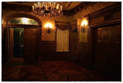 Foyer Wallpaper Game : Long forgotten a weirder haunted mansion