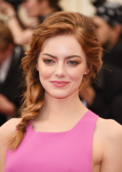 http://www.rouge18.com/wp-content/uploads/2014/05/Emma+Stone+Red+Carpet+Arrivals+Met+Gala+Part+26PI69X53R8l.jpg