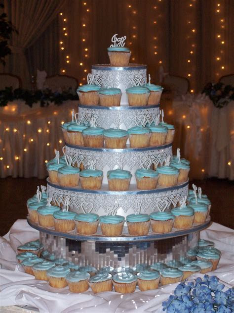 PHOTO GALLERY: Custom Cakes   Cleveland Catering