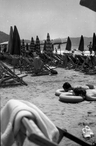 Beach Set two boys two tubes