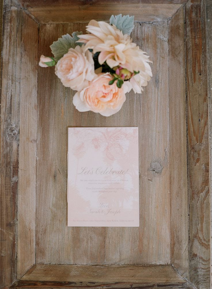Peach, blush pink and brown. Photography: Elizabeth Messina - kissthegroom.co