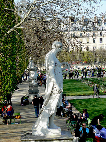 statue des tuileries.jpg