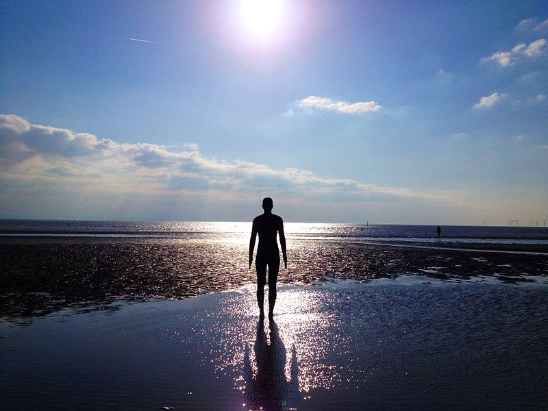 File:Crosby Beach Statues.jpeg