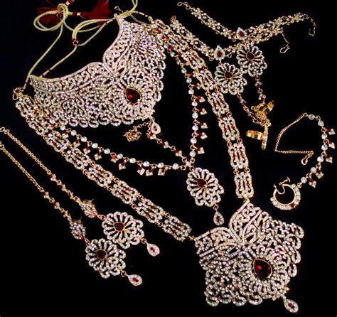 American Indian Jewelry Online     White Pearl Rani Haar