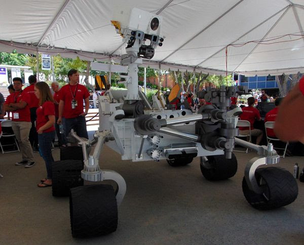 A full-size model of the Curiosity Mars rover at JPL...on May 20, 2017.
