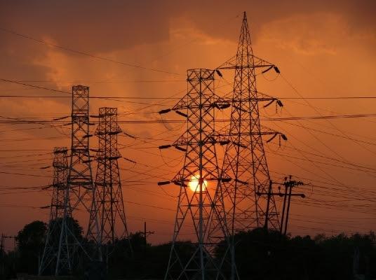Energia-eletrica-yxxpq5145031