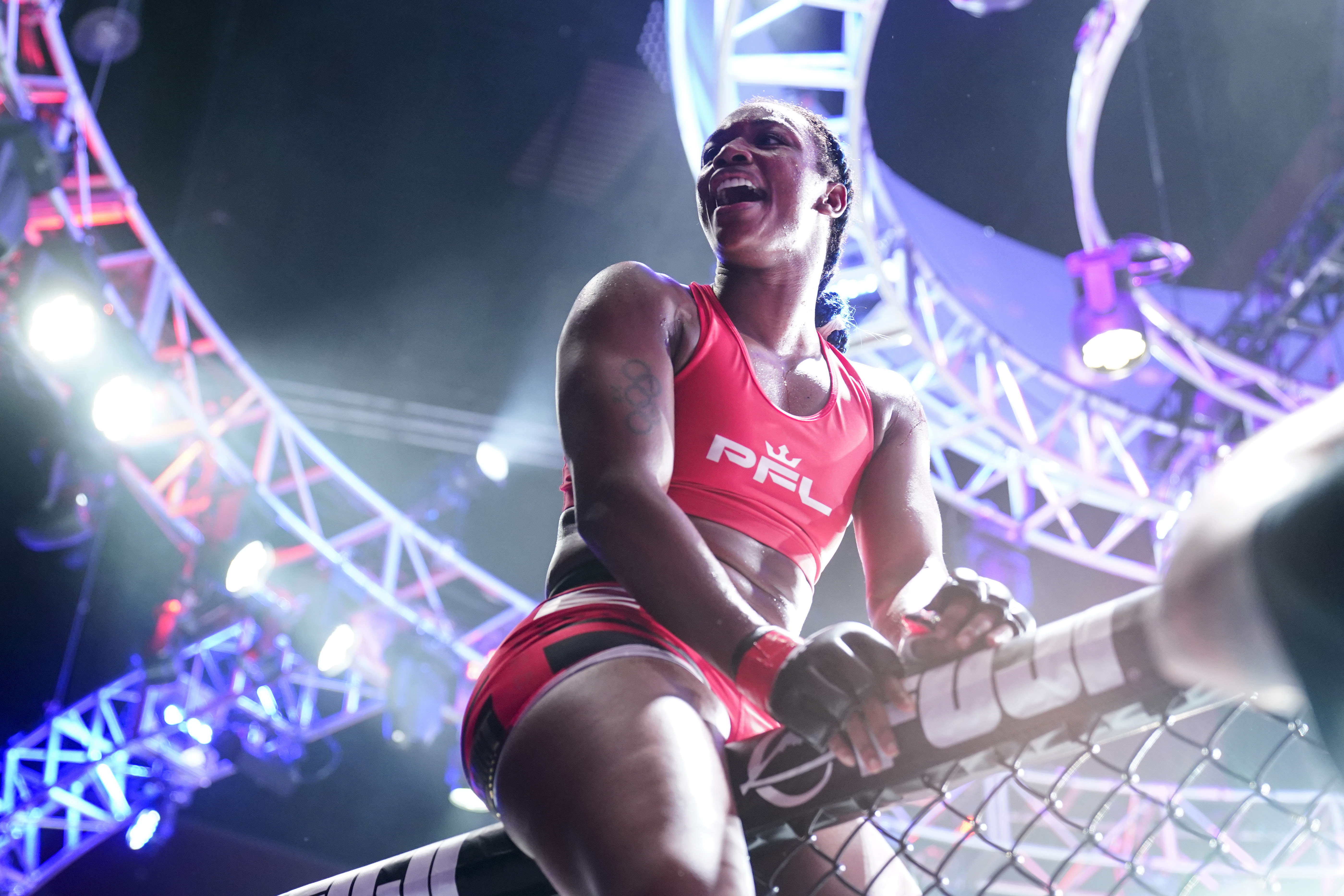 2021 PFL 4 results: Claressa Shields tested, rallies to win MMA debut by third-round TKO