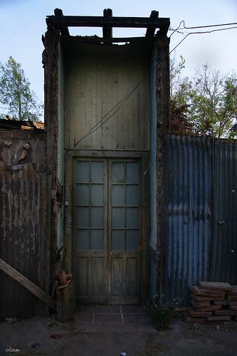 Puerta Santiaguina... by Alejandro Bonilla