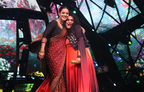 kajol dances  jannabis voice   sets  indian idol
