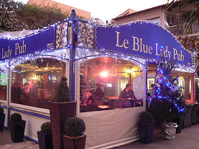 le blue lady pub.jpg