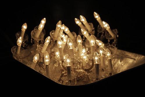 Light bulbs at the entrance hall of Kunsthalle Hamburg