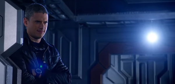 http://data.asiastarz.com/data/thumbs/full/25080/600/0/0/0/leonard-snart-aka-captain-cold-returns-as-rorys-hallucination-in-legends-of-tomorrow-season-2-episode-8.png