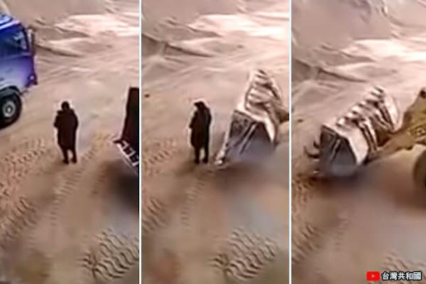 9b08db95752 Trágica muerte de mujer atrapada por una máquina que la lanzó a una  trituradora