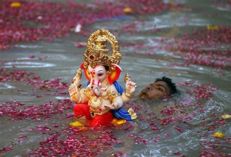 happy ganpati visarjan  puja vidhi date shubh muhurat