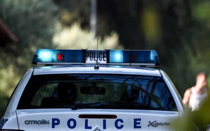 Συνελήφθη η γυναίκα που εγκατέλειψε τα δύο μικρά αδελφάκια