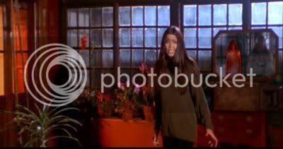http://i298.photobucket.com/albums/mm253/blogspot_images/Raaz/PDVD_032.jpg