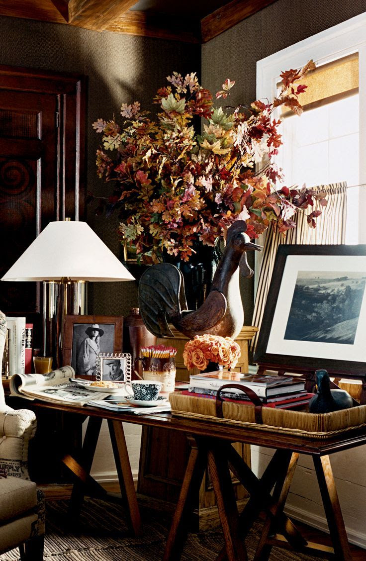 ralphlauren:  Ralph Lauren Home décor accented by warm earth tones. Discover more: here.