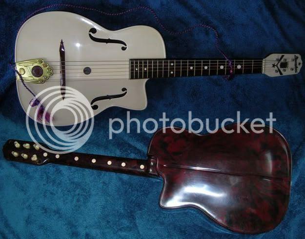 Maccaferri plastic guitar