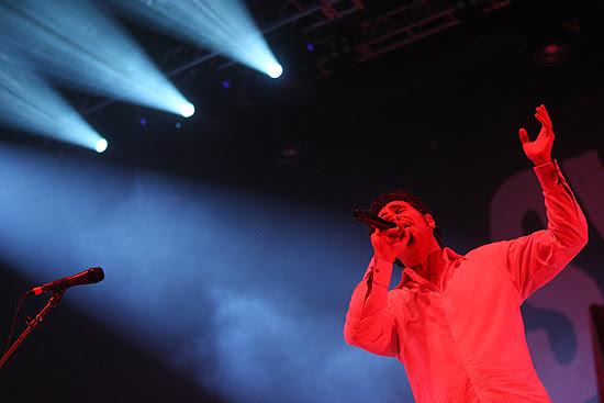 Serj Tankian em show do System of a Down em São Paulo, em 2011