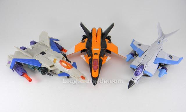 Transformers Terradive Hunt for the Decepticons Deluxe - modo alterno vs Thunderwing vs Jetblade