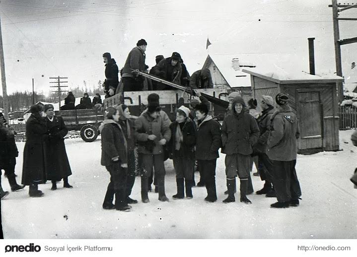 7-) Dyatlov'un Kamerasından, Birlikte Hatıra Fotoğrafı (Vizhay 1959)