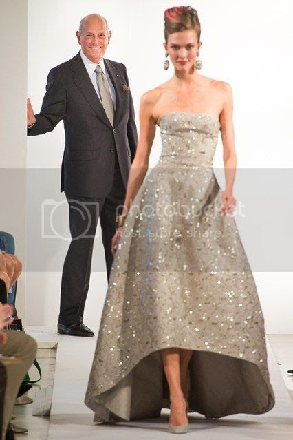 Oscar de la Renta's Iconic Creations photo oscar-de-la-renta-04.jpg