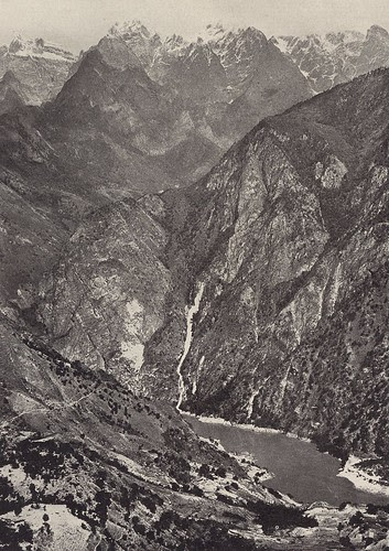 Yangtze gorges - Tiger Leaping Gorge by Joseph Rock, 1925