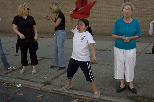 20070930_PH_fans_girl_twirling_shirt_web.jpg