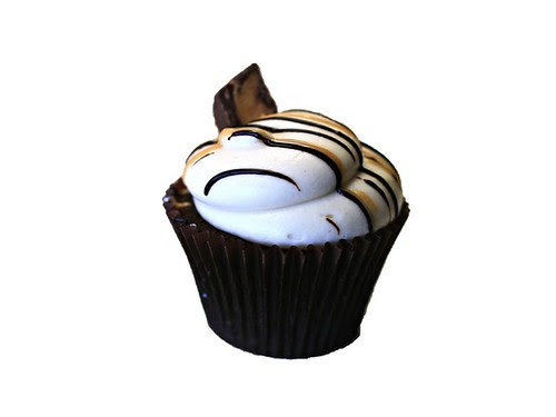 Fwd: First Black Owned Gourmet Cupcake Boutique in Orlando