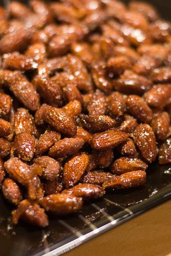 Meega röstitud mandlid / Honey roasted almonds