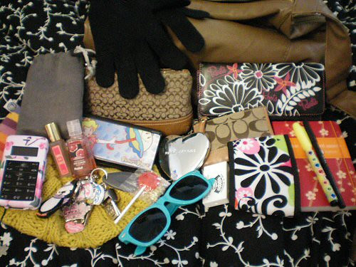 Inside My Purse :)