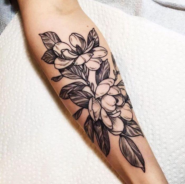 Frauen schöne unterarm tattoos ▷ 50+
