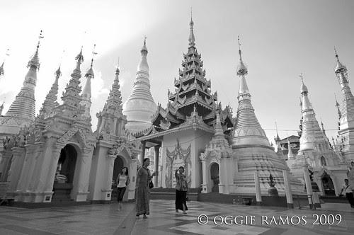 shwedagon paya ultrawide