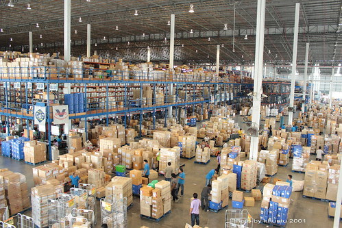 Warehouse. Freight, Goods, Dry Goods, Canned Goods, Exporter, Importer, Deliveries, Receiving