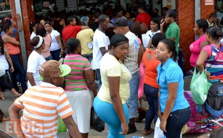 El comercio en la avenida Duarte se activa