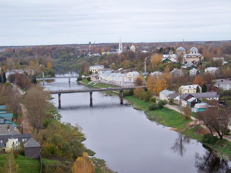 Вид на город и на реку Тверцу Города России, Тверская область, красивые места, пейзажи, путешествия, россия, торжок
