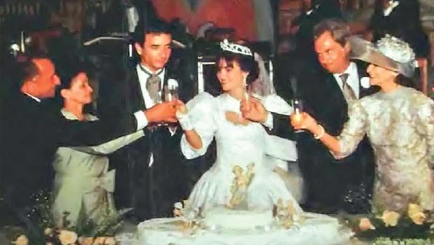 FELICIDADE O casamento de Márcia Brandão Couto. Ela se manteve solteira no civil para seguir recebendo  R$ 43 mil por mês do Estado (Foto: Arq. pessoal)