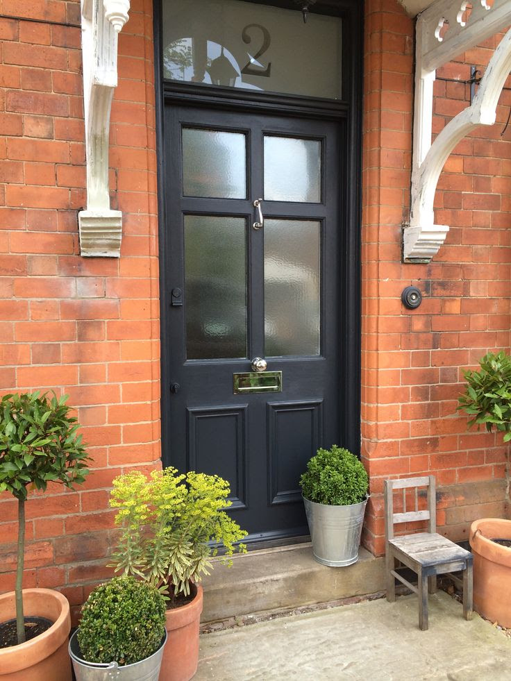 Railings Farrow & Ball front door