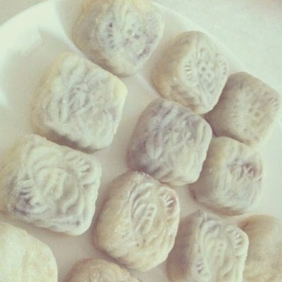 Snowskin mooncake made by yours truly. HAPPY MOONCAKE FESTIVAL! 🐰🌝🎊🎉 (Taken with Instagram at 💓home sweet home💓)