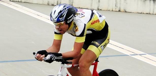 Ciclista Eduardo dos Santos Euzébio, 18, morreu nesta quarta-feira após ter sido atingido por um carro