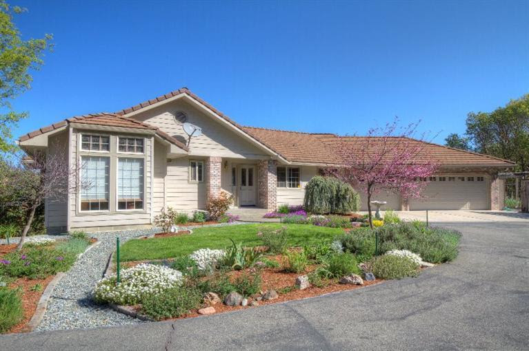 Listing: 501 Harper Loop, Grants Pass, OR. MLS 2954419  Buy Southern Oregon Real Estate and