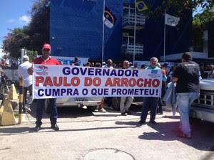 Funcionários estão em greve desde o sábado (8) por tempo indeterminado (Foto: Tv Globo/ Kety Marinho)