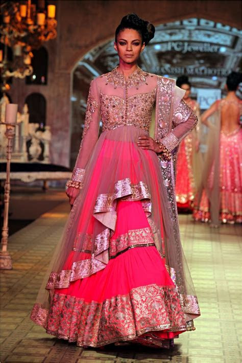 INDIAN WEDDING DRESS DESIGNER ? MANISH MALHOTRA   Dress Me