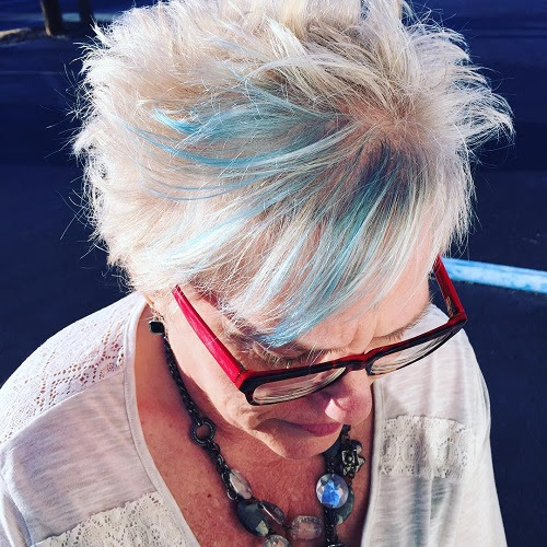 short hairstyle with blue balayage