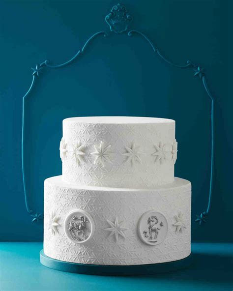 How to Decorate Your Wedding Cake (and Desserts!) with