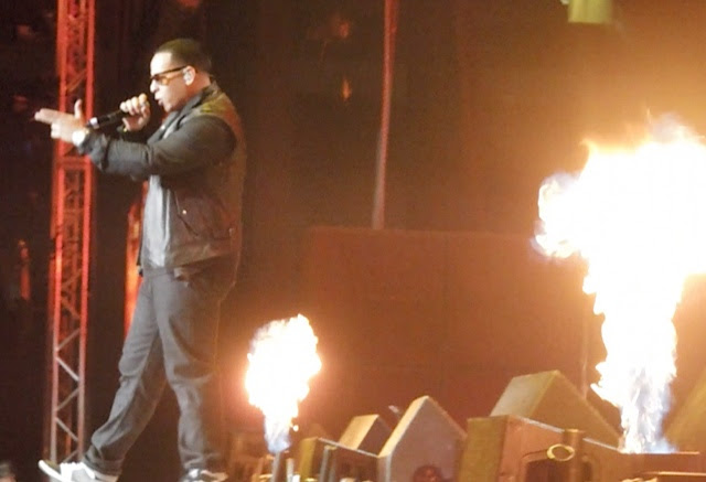 Daddy Yankee in concert with flames