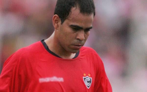 Julio García llegó hoy a Lima para continuar con su tratamiento