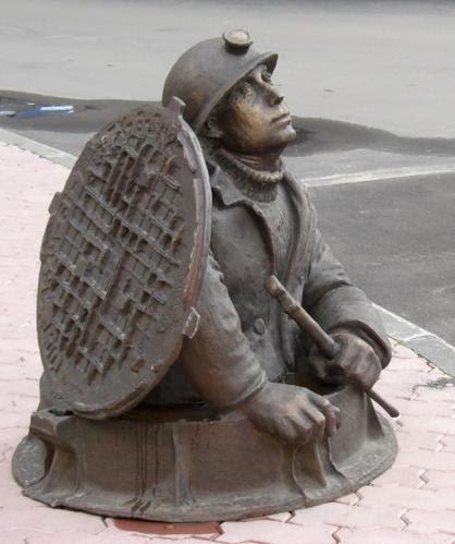 Памятники сантехнику водопроводчику в Москве